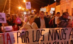 Martha Pelloni en la marcha de vecinos en Empedrado
